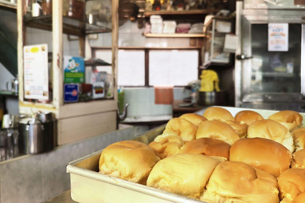 ขนมปังนม-น้ำตาล เพลินชัย